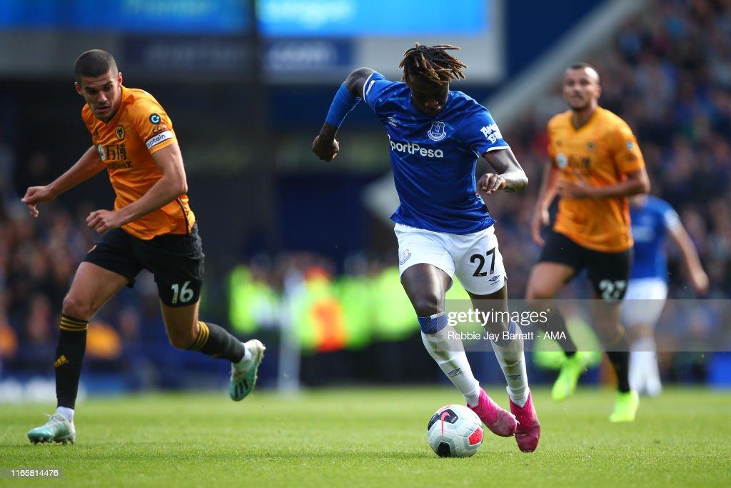 Everton FC v Wolverhampton Wanderers  - Premier League : ニュース写真