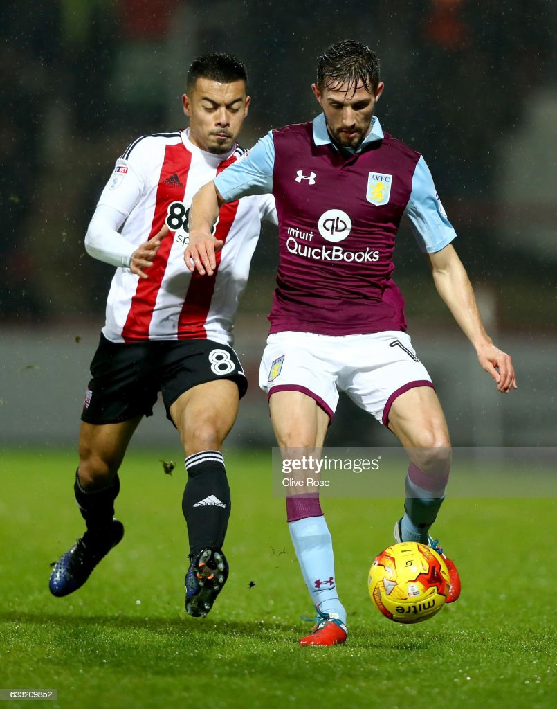 Brentford v Aston Villa - Sky Bet Championship : News Photo