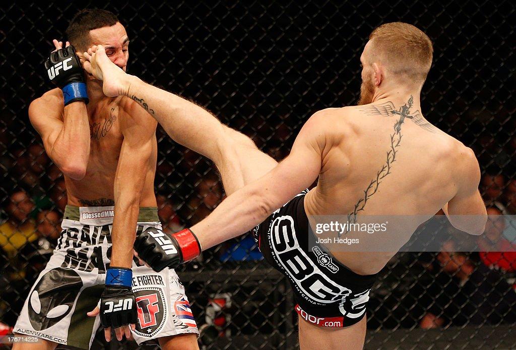 UFC on FOX Sports 1: McGregor v Holloway : News Photo