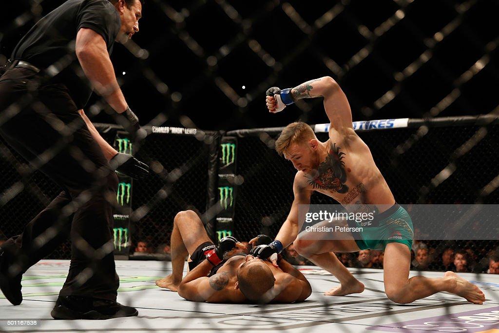 UFC 194: Aldo vs. McGregor : News Photo