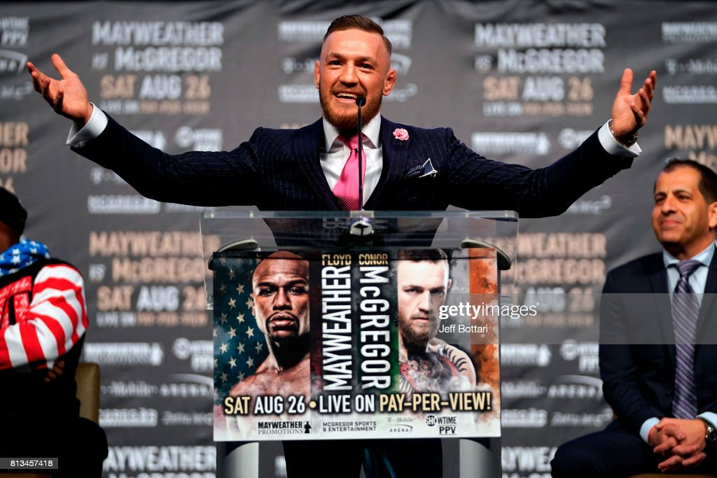 Floyd Mayweather Jr. v Conor McGregor World Press Tour - Los Angeles : News Photo