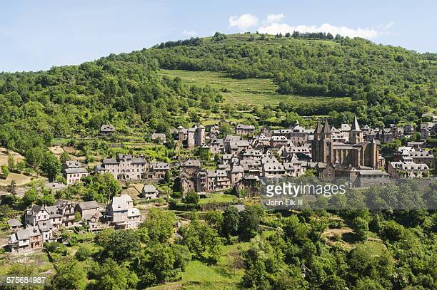 conques, town view - midi pyrénées stock photos and pictures