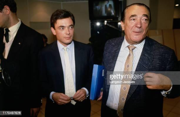 Conseil d'administration de la chaine de télévision française TF1 Arrivée de Robert Maxwell et de son fils Ian Maxwell