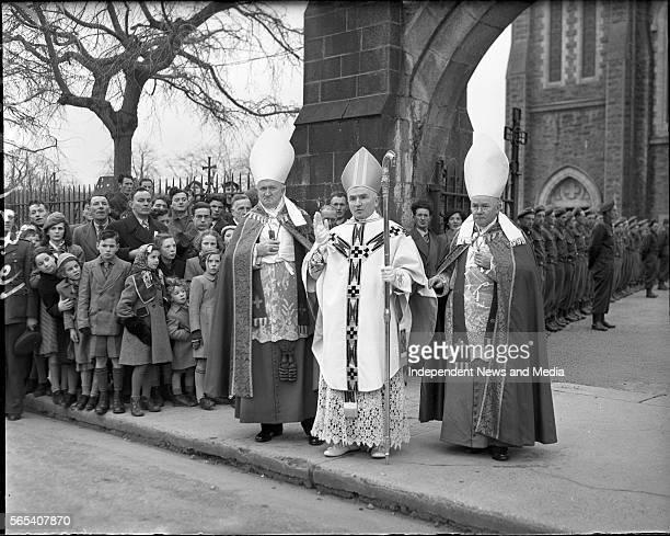 Consercration of Most Rev Dr PhilbinBishop of Clonfert Most Rev Dr Philbin imparts his blessing also inc Most Rev Dr Browne and Most Rev Dr Fergus