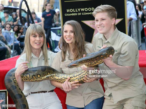 Conservationists/TV personalities Terri Irwin, Bindi Irwin and Robert Irwin attend Steve Irwin being honored posthumously with a Star on the...