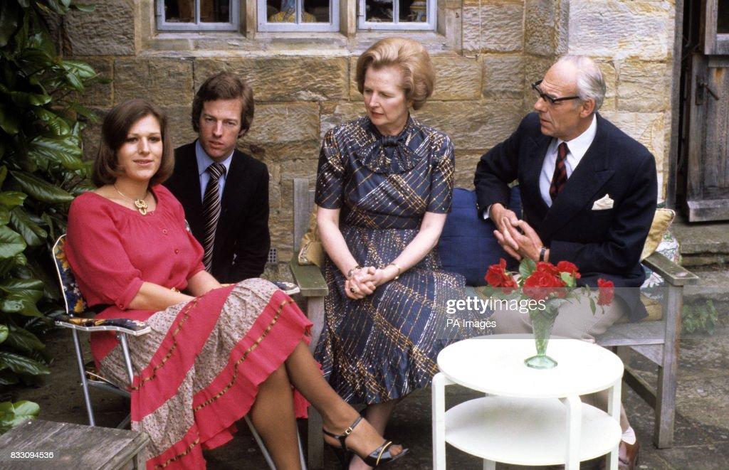 Margaret Thatcher and family : Fotografía de noticias