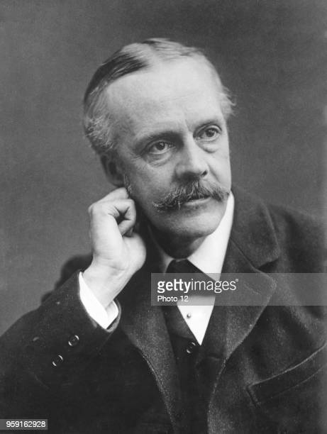Conservative Prime Minister Arthur James Balfour obtains no mandate in the House of Commons
