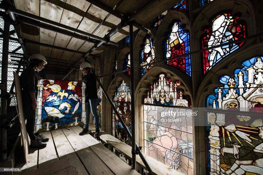 TOPSHOT-BRITAIN-RELIGION-HERITAGE-ART : News Photo