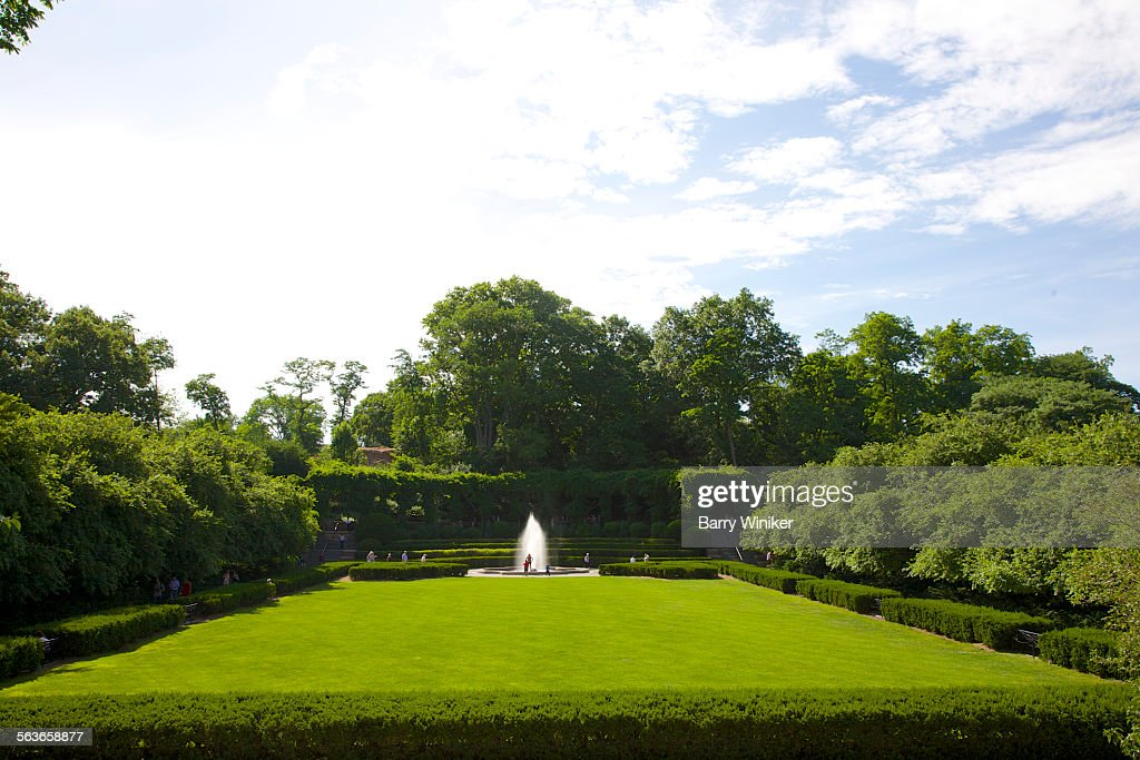 conservatory garden central park nyc stock photo - Central Park Conservatory Garden