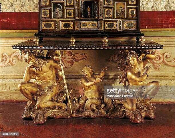 Console wall table by Michele Fanoli 18th Century carved and gilded wood 85 x 175 x 88 cm