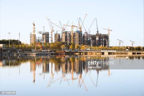 consrtuction site - toren bouwwerk stockfoto's en -beelden