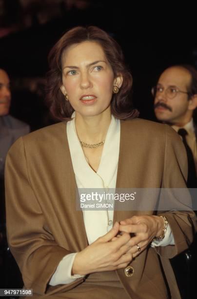 Constance De Habsbourg assiste a l'emission L'Heure de Verite dont l'invite est Otto de Habsbourg sur Antenne 2 le 12 decembre 1993 a Paris France