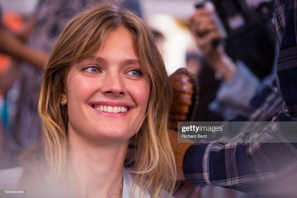 Etam : Backstage - Paris Fashion Week Womenswear Spring/Summer 2019
