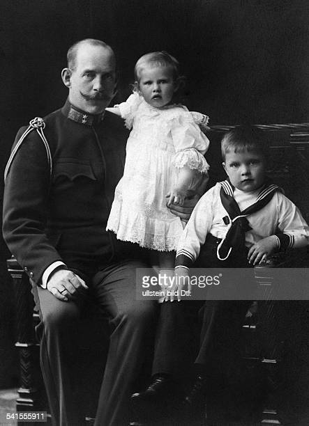 Constantine I. - Crown Prince of Greece*02.08.1868-+with his children Princess Irene and Prince Paul - Photographer: Boehringer, K.- undatedVintage...