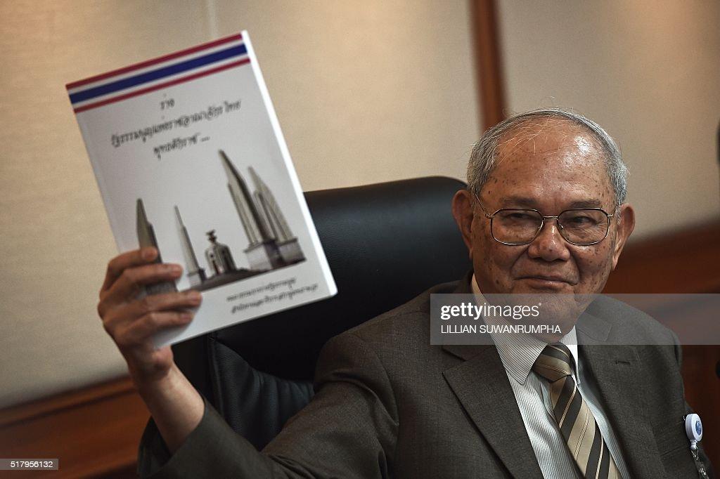 THAILAND-POLITICS-CONSTITUTION : News Photo