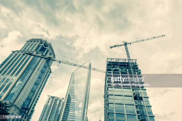 construction architecture charlotte - charlotte north carolina stock pictures, royalty-free photos & images