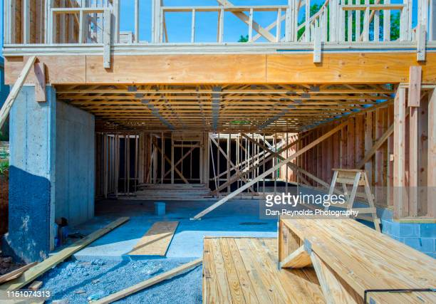 construction architecture  residential homee - 建物の骨組み ストックフォトと画像