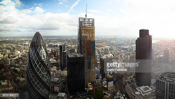 construction boom in city of london - bjarte rettedal stock pictures, royalty-free photos & images