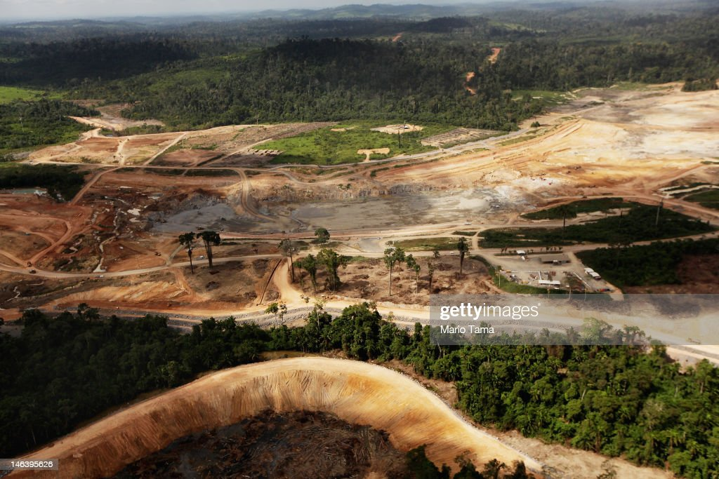 Brazil's Controversial Belo Monte Dam Project To Displace Thousands in Amazon : News Photo