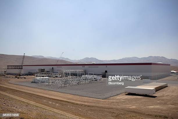 Construction continues on the Tesla Motor Inc Gigafactory in Sparks Nevada US on Tuesday July 26 2016 Tesla officially opened its Gigafactory on...