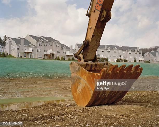 construction crane on site - ショベルカー ストックフォトと画像
