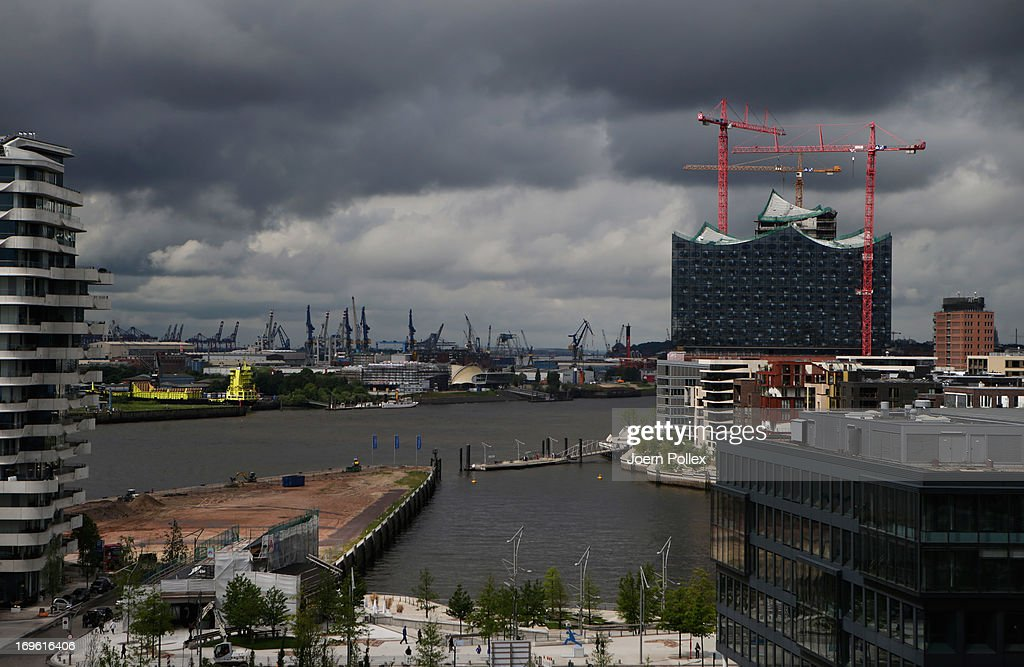 Cost Rises Plague Elbe Philharmonic Hall Construction : News Photo