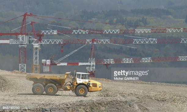Construction du viaduc de la Sioule,pr?s de Pontgibaud, Puy de Dome, sur le chantier de l'A89,autoroute Bordeaux-Clermont Ferrand du r?seau ASF, en...