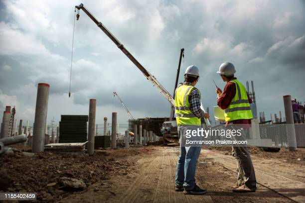 construction engineers people - built structure stock pictures, royalty-free photos & images