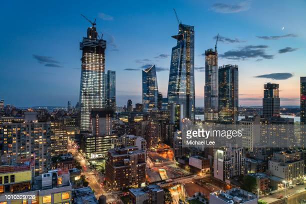 construction in manhattan - new york - hudson yards stock pictures, royalty-free photos & images