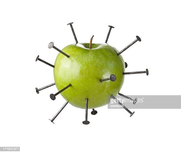 construcción uñas verde manzana, perforación - penetracion fotografías e imágenes de stock