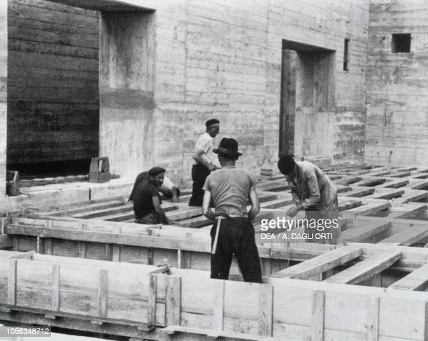 Construction of a bunker at German submarine base of Bordeaux France World War II 20th century