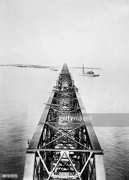Construction of bridges between uslands in the archipelago of Keys Miami about 1920