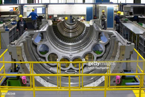 Construction of gas turbines at Siemens AG in Berlin