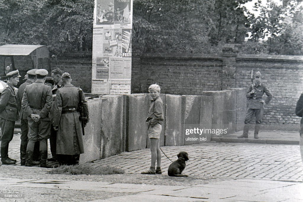 Germany: the division of Berlin : Foto jornalística
