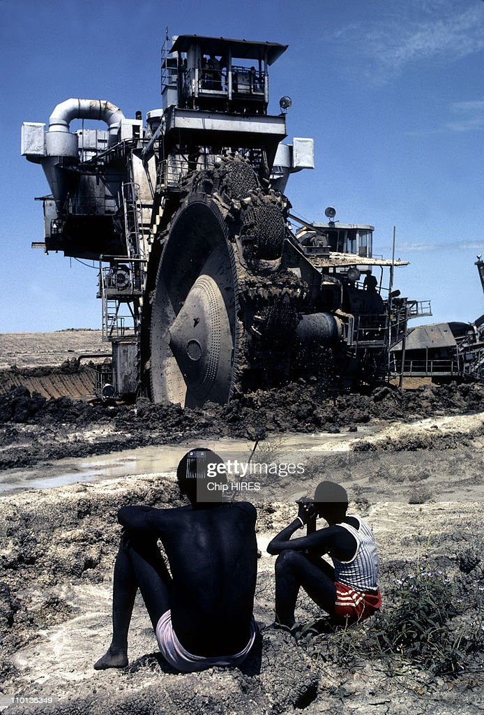 Construction of the Jonglei Canal in Sudan on February 24th,1983. : News Photo