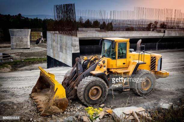 Construcción del viaducto en el nuevo S7 carretera, Luban, Polonia