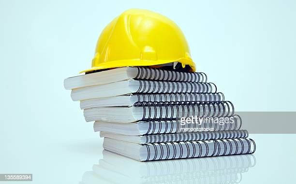 de construção - capacete de trabalho - fotografias e filmes do acervo