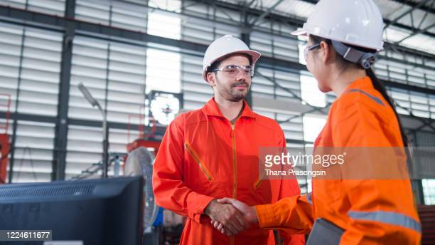 construction site agreement - 2017 stock pictures, royalty-free photos & images