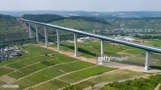 construction site of hochmoselbruecke b50, bridge over mosel valley - moselle imagens e fotografias de stock