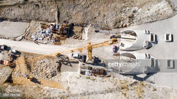 baustelle des eisenbahntunnels - tunnel stock-fotos und bilder