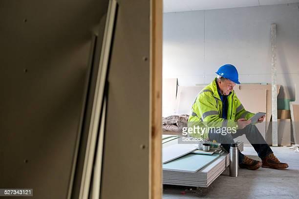 Travailleur de la Construction sur son Dîner escapade