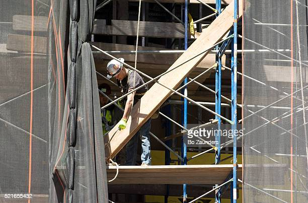 construction worker - bo zaunders stock pictures, royalty-free photos & images