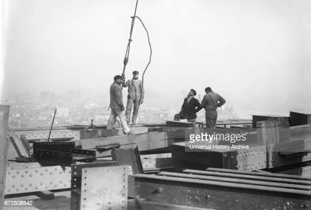 Construction Worker Working on 33rd Floor of Metropolitan Life Insurance Company Tower New York City New York USA Bain News Service January 1908