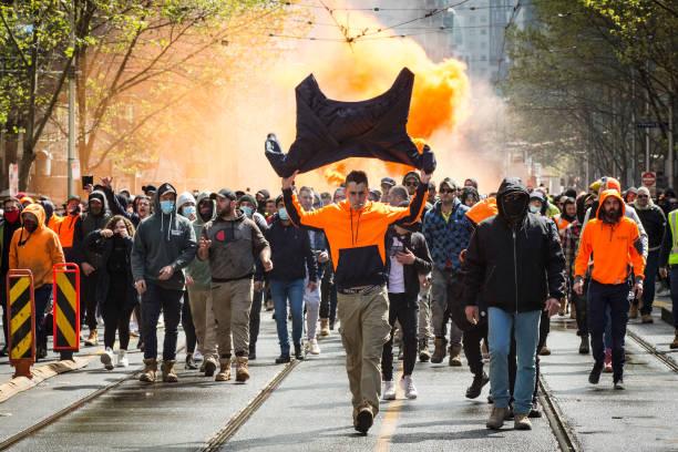 AUS: Thousands March Through Melbourne After State Government Announces Construction Shutdown Following CFMEU Protests