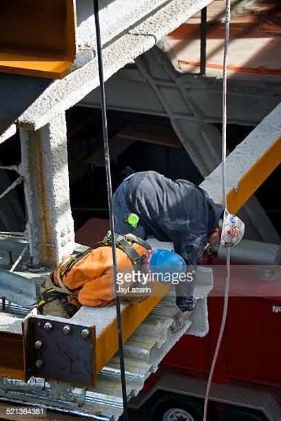 建設作業員のスチール梁が残っているだけだと、マンハッタン、ニューヨーク市
