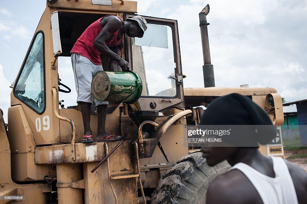 NIGERIA-POLITICS-OIL-UNREST : News Photo
