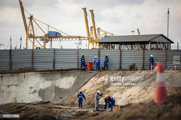 Construction workers working at a construction site at the port of Beira on September 27 2015 in Beira Mozambik