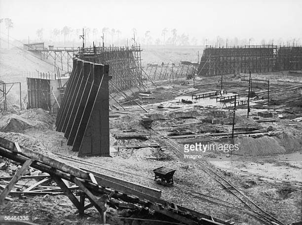 Construction works at the Olympic Stadium in Berlin. Photography. Germany. Around 1934. [Baustelle des Berliner Olympiastadions. Photographie....