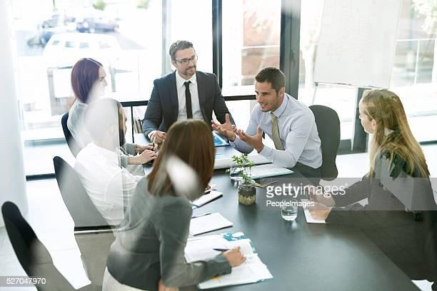 建設的なコミュニケーションで、建設的なミーティング