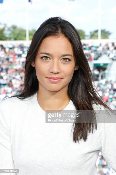 Consultant of 'France Television' Alize Lim poses at France Television french chanel studio during the 2017 French Tennis Open Day Eleven at Roland...